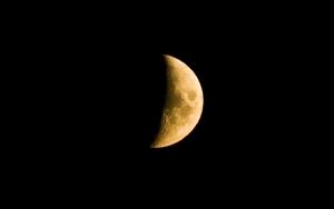 1303135_the_moon